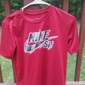 Nike dri fit skate boarding shirt